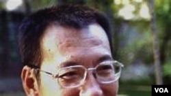 Pembangkang Tiongkok Liu Xiaobo, pemenang hadiah Nobel Perdamaian tahun 2010 yang meringkung dalam penjara sejak Desember tahun lalu.