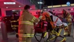 Yaralanan Yolcular JFK Havalimanı'ndan Ambulanslarla Çıkarılıyor