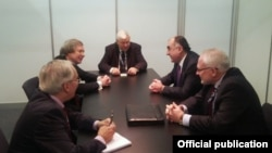 Elmar Məmmədyarov ATƏT-in Minsk qrupunun həmsədrləri ilə görüşüb