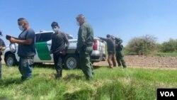 Inmigrantes procedentes de países de América Latina continúan llegando a la frontera sur de Estados Unidos pese a las advertencias. [Foto: Celia Mendoza]