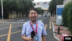 Feng Yibing, Korrespondent në Pekin për Shërbimin Kinez të Zërit të Amerikës