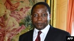 Henri Mova Sakanyi, alors ambassadeur de la RDC lors une réunion au palais Egmont à Bruxelles, Belgique, 26 juin 2012.