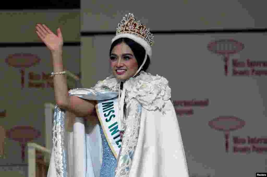 کایلی ورزوسا فیلیپینی برنده عنوان «Miss International 2016» یا ملکه زیبایی بینالمللی ۲۰۱۶ شد. این مسابقه در توکیو ژاپن برگزار شد.