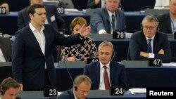 希腊总理齐普拉斯在斯特拉斯堡向欧洲议会讲话。(2015年7月8日)