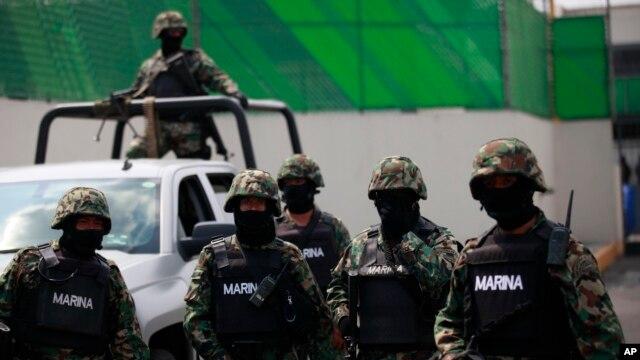 Oficiales colombianos se unen a la recaptura de Joaquín