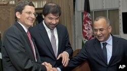 گراسمن: لطفاً دامن تلاش های صلح را در افغانستان رها نکنید