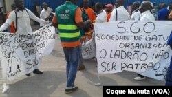 Trabalhadores de empresa da Fundação de José Eduardo dos Santos propotestam por falta de pagamento de salários