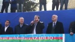 Vəkil Osman Kazımlı mitinqdə çıxış edir