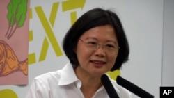 台湾2012年总统竞选期间的民进党主席蔡英文(资料照片)