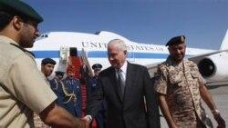خوش آمد گویی به رابرت گیتس، وزیر دفاع آمریکا در هنگام ورود به ابوظبی