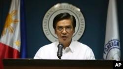 """Phát ngôn viên Bộ Ngoại giao Philippines Charles Jose cho biết Ngoại trưởng Albert del Rosario đã đến thăm Brunei, Việt Nam và Indonesia để trình bày kế hoạch ba hành động (TAP) và """"tất cả các nước này đều bày tỏ sự ủng hộ đối với sáng kiến"""" của Manila."""
