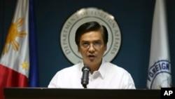 Phát ngôn viên Bộ Ngoại giao Charles Jose cho biết Philippines đã đưa ra cho Trung Quốc một kháng nghị thư hồi đầu tháng trước về hoạt động lấp biển mà Trung Quốc tiến hành ở đảo Johnson South.