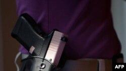 С пистолетом в церковь?