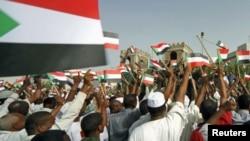 Célébration à Khartoum après la reconquête de Heglig par l'armée soudanaise
