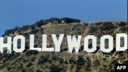 ہالی وڈ کا مشہور زمانہ سائن