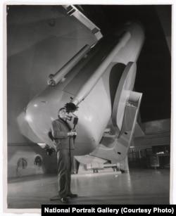Sering dipuji sebagai bapak kosmologi modern, Edwin Hubble membuat beberapa penemuan signifikan yang mengubah cara para ilmuwan memandang alam semesta.
