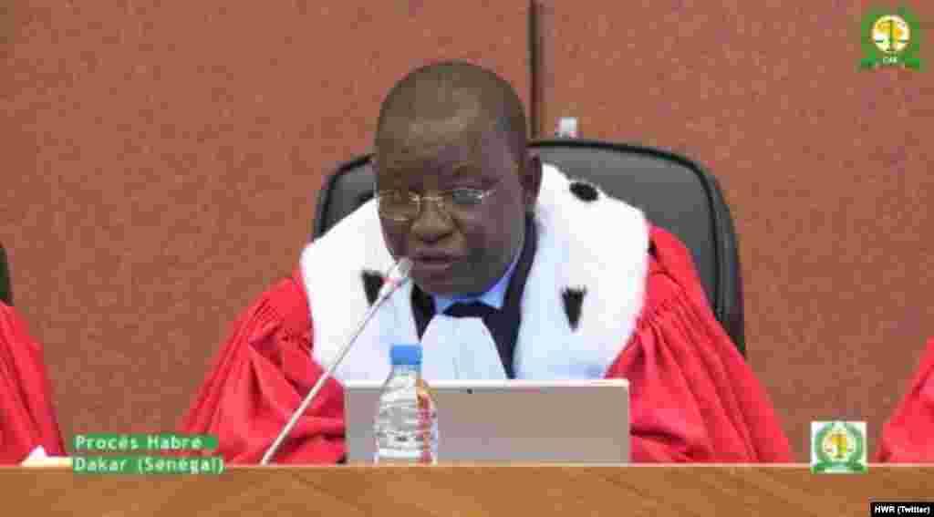 Le juge qui animé le procès historique d'Hissène Habré, lundi 30 mai 2016, à Dakar au Sénégal.