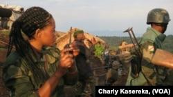 Les militaires FARDC dans le camp de Nyamilima , 5 Juin 2017. (VOA/Charly Kasereka)