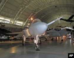 X-35B原型机停在史密森尼航空航天博物馆