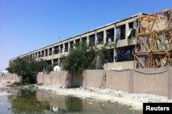 Herbements de fortune d'ouvriers dans la zone industrielle de Sanaya à Doha le 28 mars 2014.