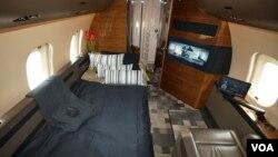 Avião Bombardier 6000
