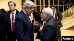 جان کری و محمدجواد ظریف در یکی از چندین دیدار اخیر وزرای خارجه ایران و آمریکا.