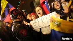 委內瑞拉反對者首都遊行 要公投罷免馬杜羅