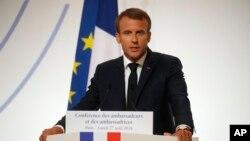 Archivo - El presidente francés, Emmanuel Macron, se dirige a sus embajadores en el discurso inaugural de la Conferencia de Embajadores. Palacio del Elíseo, París, Francia. 27 de agosto de 2018.