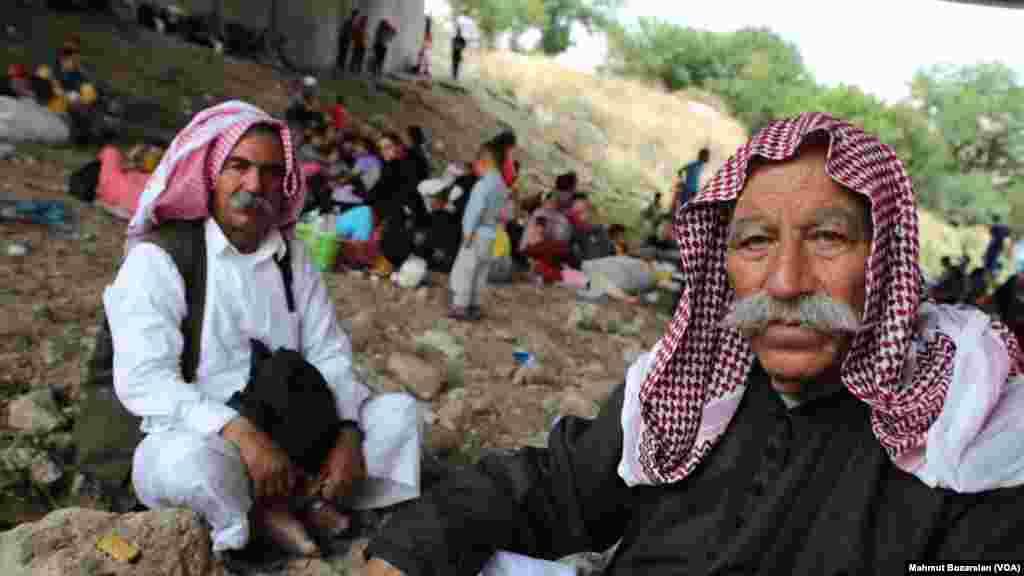 'Yan Yazidi dake sansanin 'yan gudun hijirar Diyarbakir a Turkiyya.