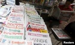 Phóng viên tại nhiều tờ báo ở Việt Nam đang lo bị sáp nhập