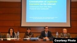 Chủ tịch Ủy ban Bảo vệ Quyền Làm Người Việt Nam Võ Văn Ái phát biểu tại một cuộc họp báo tại Geneva.