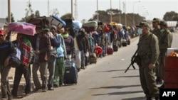 ООН: Число беженцев из Ливии в Тунис сокращается
