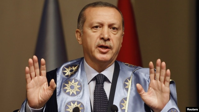 Turkish Prime Minister Tayyip Erdogan addresses an audience at Yildiz Technical University in Istanbul, October 5, 2012.