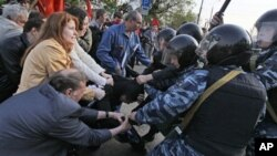 Москва, 6 мая 2012г. Архивное фото.