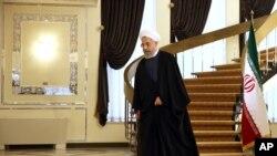 برخی می گویند تظاهرات مخالفان حکومت ایران در وین موجب لغو سفر روحانی شد؛ اما چنین تظاهراتی در گذشته مانعی برای سفرهای او نبود.