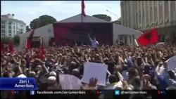 Protesta e opozitës në Tiranë