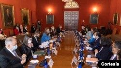 Imagen de la reunión de la vicepresidente y canciller, Marta Lucía Ramírez, con la Comisión Interamericana de Derechos Humanos (CIDH), en el Palacio de San Carlos, el lunes 7 de junio. [Foto: Cortesía Vicepresidencia Colombia]