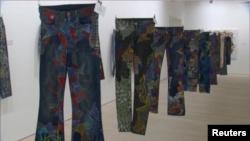 نمایشگاه «جین برای پناهندگان» در گالری ساتچی لندن