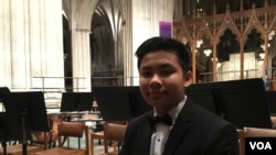 Panh Panhlauv, a flute player, talked to VOA Khmer's reporter Sok Khemara after performingat the National Cathedral in Washington D.C. (Sok Khemara/VOA Khmer)