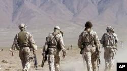رپوټ: افغانستان کی اوږدمهالی پوځي موجودیت د سولې خبرې اغېزمنوي