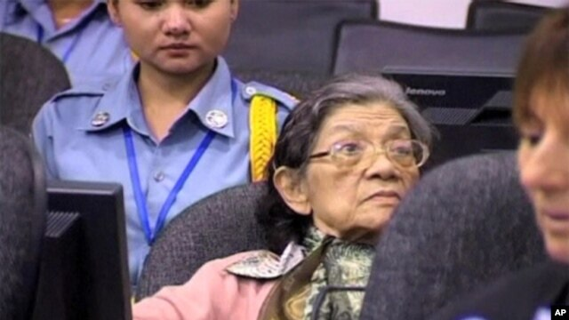 Ieng Thirith, former social affairs minister of Khmer Rouge regime and one of four leaders expected to face trial next year, shown at Cambodia's war crimes tribunal near Phnom Penh. (file photo)