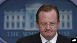 即将离任的白宫发言人吉布斯(档案照)