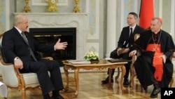 О.Лукашенко та кардинал П'єтро Паролін