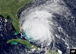 طوفان بحری آیرین
