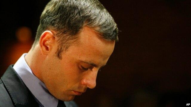 Oscar Pistorius tại phiên tòa ở Pretoria, Nam Phi, ngày 21/2/2013.