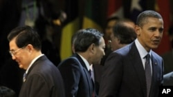 AQSh prezidenti Barak Obama hamda Xitoy prezidenti Hu Jintao Seuldagi yadro xavfsizligiga bag'ishlangan sammitda. Seul, 27-mart, 2012-yil.