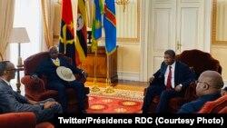 Paul Kagame, président ya Rwanda (D) na Yoweri Museveni ya Ouganda (2e D) na bakokani ba bango ya Angola, Joa Lourenco (3e G) na ya ekolo Congo démocratique Félix Tshisekedi (G) na Luanda, Angola, 3 fevrier 2020. (Twitter/Présidence RDC)