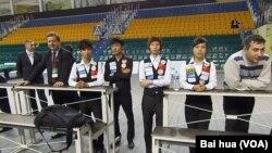 俄式台球中國隊 (美國之音白樺拍攝)