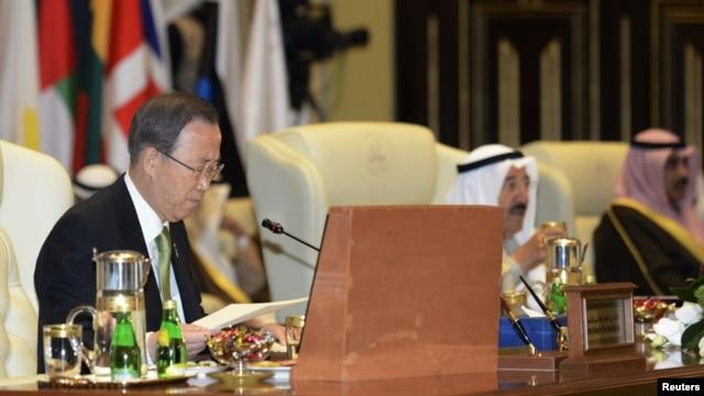 Sekjen PBB Ban Ki-moon pada pembukaan konferensi internasional untuk bantuan kemanusiaan bagi Suriah di Kuwait, Rabu (30/1).