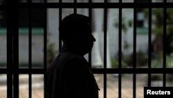 La pelea en la prisión guatemalteca dejó 16 muertos, tres de ellos decpatiados.
